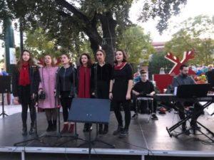 Το τμήμα του σύγχρονου τραγουδιού στην εκδήλωση του δήμου Χαλανδρίου για το άναμμα του χριστουγεννιάτικου δέντρου - 13/12/2019